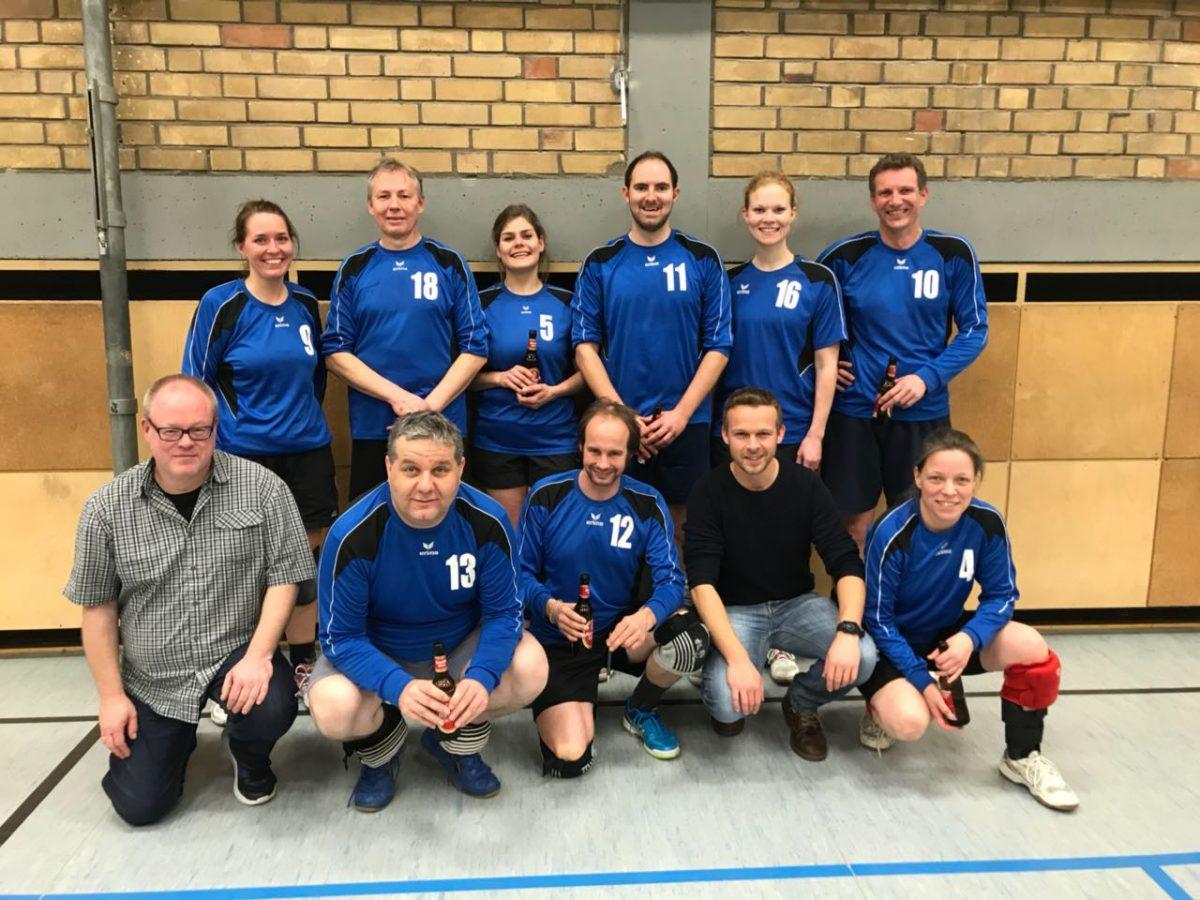 Beide Volleyball-Mixed-Mannschaften des KTB 1893 starten mit Niederlagen ins neue Jahr